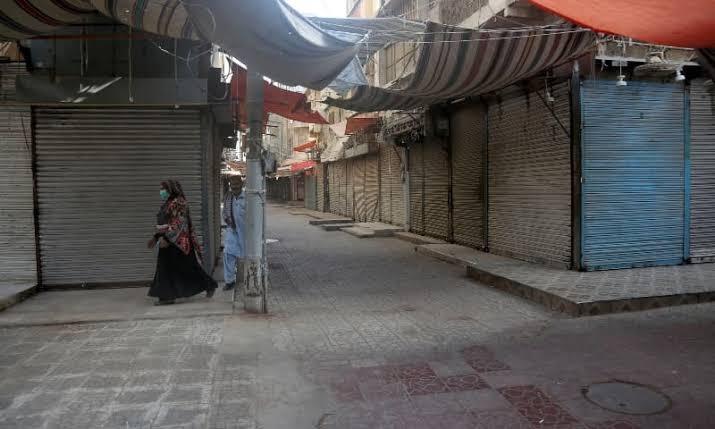 کراچی: کرونا وائرس کی شدت میں اضافہ، سخت لاک ڈاؤن کے پیش نظر پولیس افسران کی تجاویز طلب کرلی گئیں