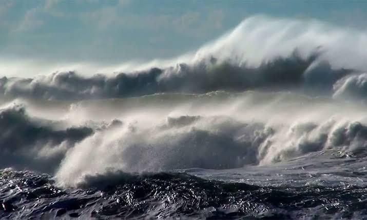ایک اور سمندری طوفان بھارتی ریاست کے ساحل سے ٹکراگیا